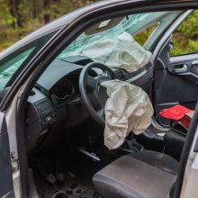 Netoli Elektrėnų apsivertė girto ir teisių neturinčio vyro vairuojamas automobilis