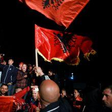 """Kosovo opozicijos partijos per rinkimus įveikė """"karo stovyklą"""""""