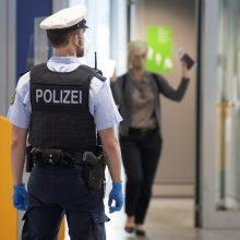 Vokietijos Diuseldorfo oro uoste peiliu ginkluotas užpuolikas sužeidė žmogų