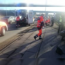 Avarija Liepų gatvėje: motociklas rėžėsi į pėsčiuosius, yra sužeistųjų