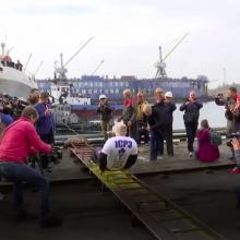 Įspūdingas pasiekimas: vyras patraukė 614 tonų sveriantį laivą