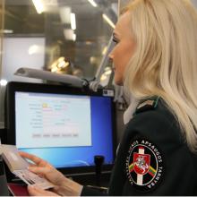 Vilniaus oro uoste sulaikytas siras su suklastotu čekišku dokumentu