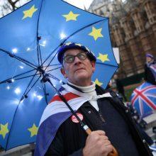 """Daugiau kaip 750 tūkst. ES piliečių prašo leidimo gyventi Britanijoje po """"Brexit"""""""