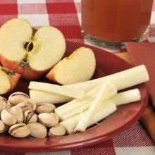 Kaip gaminamos plėšomos sūrio lazdelės?