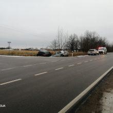 Praėjusią parą eismo įvykiuose žuvo vienas žmogus, dar trys – sužeisti