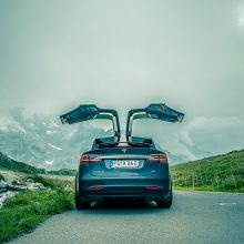 Nors ir milijoną mylių: mokslininkai sukūrė ištvermingą bateriją elektromobiliams