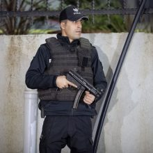 Turkijoje sulaikyti du įtariami kovotojai, bandę patekti į parlamentą
