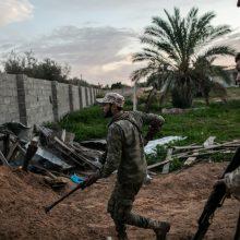 Besivaržančios Libijos vyriausybės paskelbė paliaubas: planuoja visuotinius rinkimus