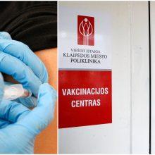 Klaipėdoje – pyktis dėl vakcinacijos: senoliai veltui klebeno duris