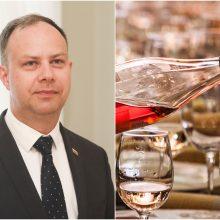 Lietuviai vartojo mažiau alkoholio: A. Verygos draudimai pasiteisina?
