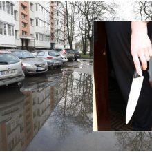 Klaipėdoje neblaivi moteris peiliu sužalojo vyrą