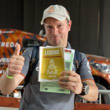 Visus formalumus prieš startą įveikęs A. Juknevičius pristatė Dakaro naujovę