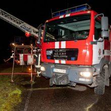 Vilniuje kilo gaisras dviejų aukštų name: žuvo moteris
