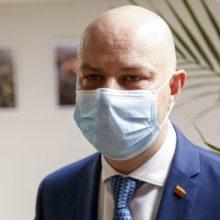 A. Veryga siūlo įstatyme įrašyti teisę ministrui spręsti dėl privalomų kaukių