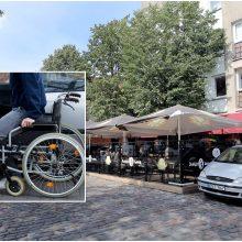 Problemos tęsiasi: patekti į kavinę uostamiestyje – iššūkis neįgaliesiems