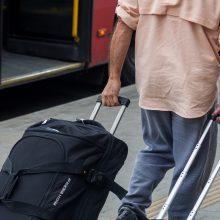 Ekspertai apie emigraciją: išvykę kitur pamato, kad ir ten panašios problemos