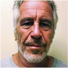 JAV milijardierius J. Epsteinas rastas sužeistas kalėjimo kameroje