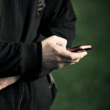 Būkite atsargūs: sukčiai vėl platina neva iš banko siunčiamas trumpąsias žinutes