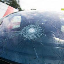 Vilniuje automobiliai partrenkė du pėsčiuosius