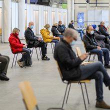 Sostinėje trūksta personalo vakcinacijai: ragina Seimą leisti pasitelkti daugiau žmonių