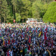 Marše taisyklės negaliojo? Leidimas išduotas 7 tūkst. žmonių, bet dalyvavo apie 10 tūkst.