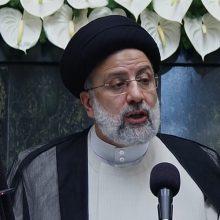 E. Raisi žada paremti bet kokias diplomatines pastangas atšaukti sankcijas Iranui