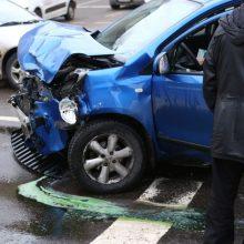 Ketvirtadienis šalies keliuose: nors aukų pavyko išvengti, sužeista penkiolika žmonių