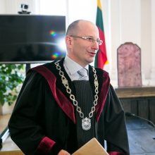 Sausio 13-osios byloje siekiama nušalinti teisėjų kolegijos pirmininką E. Rimšelį