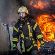 Nuo metų pradžios kilo daugiau kaip 9 tūkst. gaisrų, juose žuvo pusšimtis žmonių