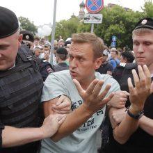 A. Navalnui skirtas areštas: Rusijos policija atlieka kratas jo sąjungininkų namuose