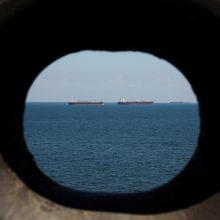 Iranas pranešė teikiantis pagalbą nelaimės signalą pasiuntusiam užsienio tanklaiviui