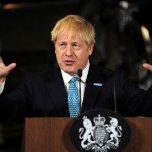 B. Johnsonas išvyksta pirmojo vizito į Škotiją: bandys sutvirtinti regionų vienybę
