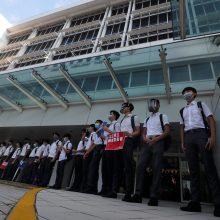 Honkonge moksleiviai formuoja gyvąsias grandines: valdžia ragina Vašingtoną nesikišti