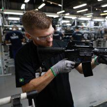 JAV: kovo mėnesį šalyje parduota 1,9 milijono ginklų