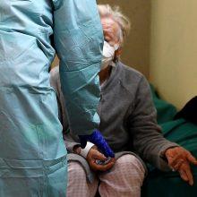 Ispanijoje jau trečią parą iš eilės mažėja koronaviruso aukų skaičius
