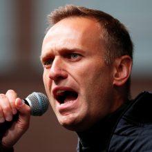 Berlyno klinika: A. Navalnas pabudo iš dirbtinės komos