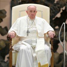 Popiežius dėl COVID-19 protrūkio vėl rengs bendrąsias audiencijas nuotoliniu būdu