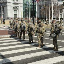 J. Bidenas atšaukė D. Trumpo draudimą kariuomenėje tarnauti translyčiams