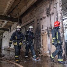 Dėl gaisro nuostolius patyrusios Alytaus įmonės svarsto teisinius žingsnius