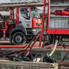 Košmaras Alytuje tęsiasi: iš valstybės rezervo į Alytų – 250 vienetų dujokaukių