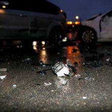 Savaitgalį keliuose pasipylė avarijos: nukentėjo 30 žmonių