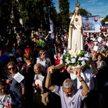 Slovakijoje dešimtys tūkstančių žmonių išėjo į gatves: protestavo prieš abortus