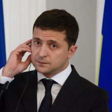 Ukrainos prezidentas paragino parlamentarus pasitikrinti melo detektoriumi