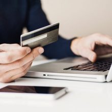 Gyventojų apklausa: trečdalis lietuvių išsiverstų tik su skaitmeniniu banku