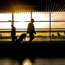 URM ragina visus, ketinančius vykti į užsienį, labai atsakingai įvertinti situaciją