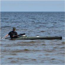 Baltijos jūroje dingęs latvių baidarininkas rastas negyvas Estijos paplūdimyje