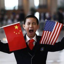Kinija grasina JAV atsakomosiomis priemonėmis už naujus muitus