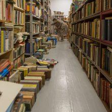 """""""Keistoteka"""" – vieta, kur su senomis knygomis elgiamasi pagarbiai"""