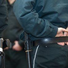 Varėnoje neblaivus nepilnametis sudavė policininkui