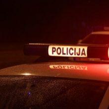 Vilniuje iš apvirtusio BMW pabėgo vairuotojas ir į ligoninę nuvežti keleiviai
